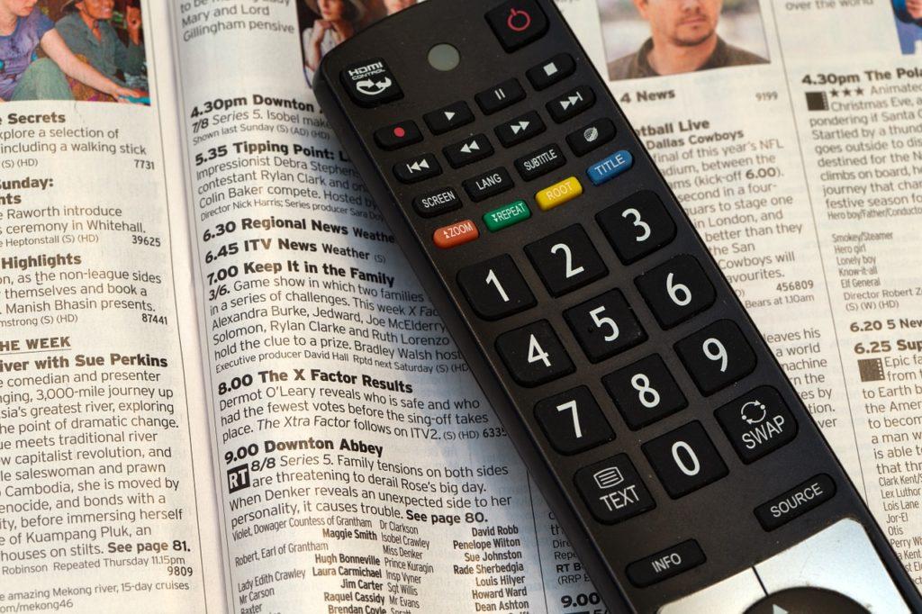 Fernbedienung auf Fernsehzeitung