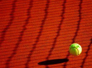 Tennisball: Darum ist der kleine Filzball im Swimmingpool so wichtig