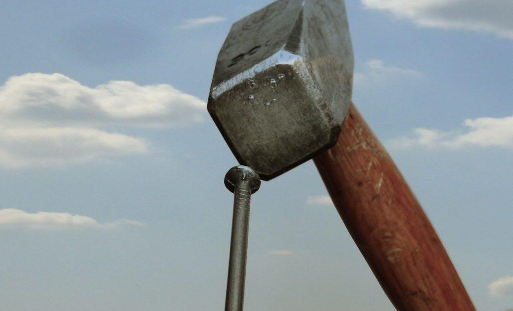 Nagel und Hammer