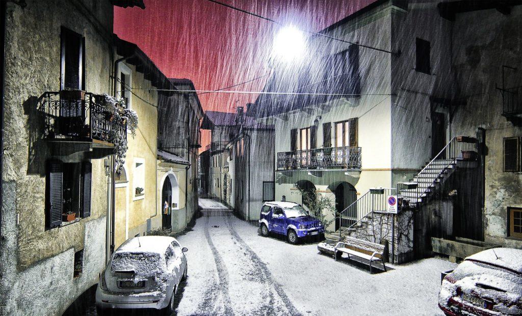 Schnee in Straße