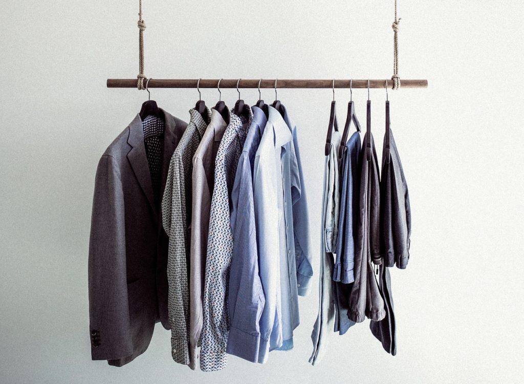 Kleiderbügel polstern gegen Falten